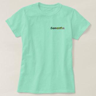 O t-shirt básico das mulheres de Samantha