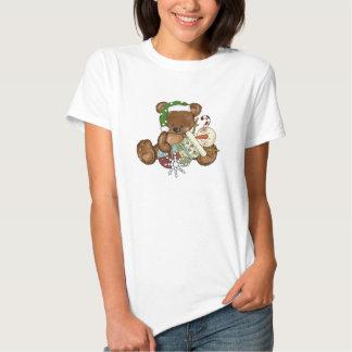 O t-shirt das mulheres do feriado do urso do Natal
