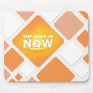 O tempo é agora mouse pad