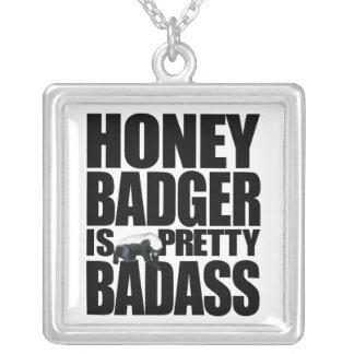 O texugo de mel é colar bonito de Badass