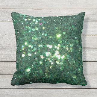 O travesseiro decorativo do verde do brilho do almofada para ambientes externos