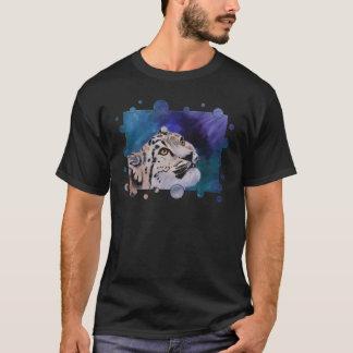 O Tshirt dos homens das bolhas do leopardo de neve