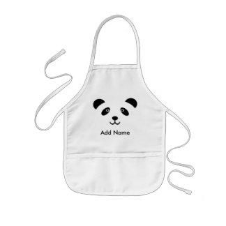 O urso de panda caçoa o avental