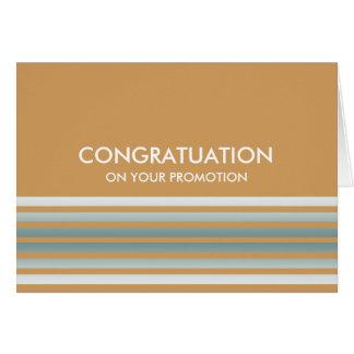 O verde listra felicitações cartão comemorativo