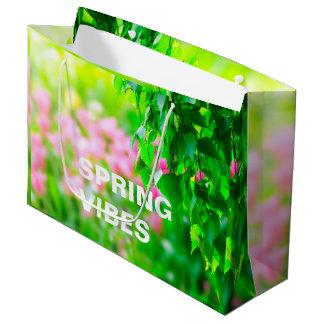 O vidoeiro sae de flores da tulipa customizáveis sacola para presentes grande