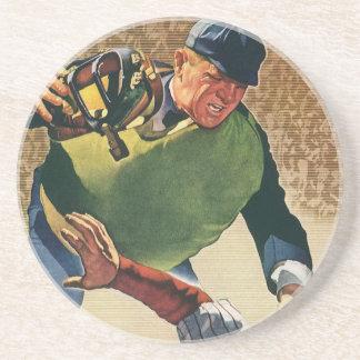 O vintage ostenta o jogador de beisebol, árbitro porta copos de arenito