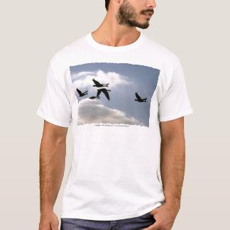 O vôo do t-shirt selvagem   do ganso   personaliza