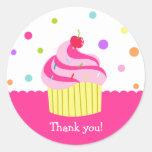 Obrigado do aniversário de Cupake do arco-íris Adesivos Em Formato Redondos