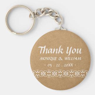 Obrigado ornamentado do casamento de papel da chaveiro