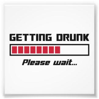 Obtendo o bebado espere por favor o bar de carga impressão de foto