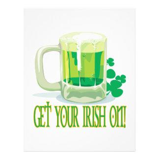 Obtenha seu irlandês sobre modelo de panfleto
