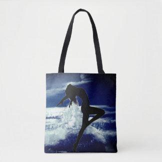 Oceano enluarada com o Silhoutte da sacola da Bolsas Tote