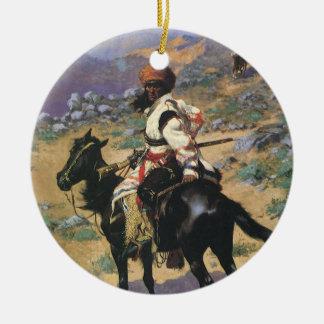 Oeste selvagem do vintage, um caçador indiano por ornamento de cerâmica redondo