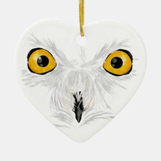 Olhar fixamente nevado da coruja ornamento de cerâmica coração