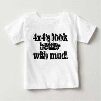 olhar infantil do tshirt 4x4's do bebê melhor com