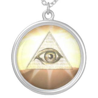 Olho do providência colar banhado a prata