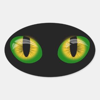 Olhos de gato verdes e etiqueta preta