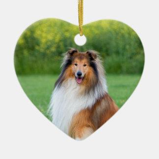 Ornamento bonito do coração do retrato do cão do