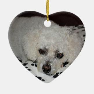 Ornamento branco do coração do cão