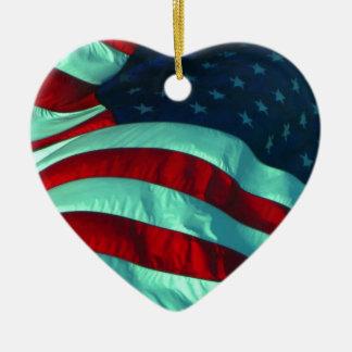 Ornamento dado forma da bandeira americana coração