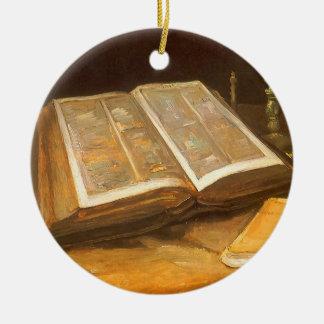 Ornamento De Cerâmica Ainda vida com a bíblia por Vincent van Gogh