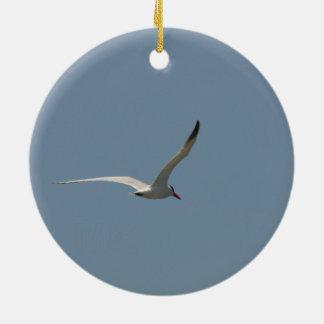 Ornamento De Cerâmica Andorinha-do-mar feericamente em vôo/veado