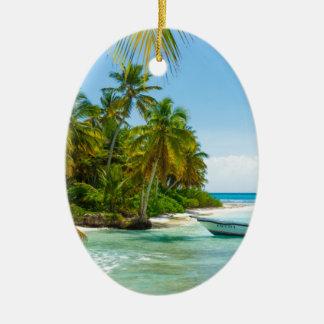 Ornamento De Cerâmica Barco no caribe