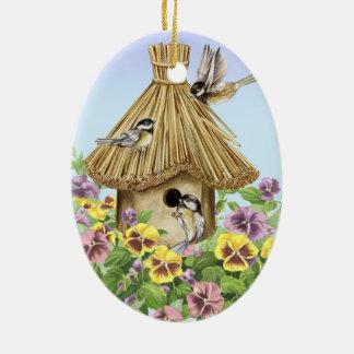 Ornamento De Cerâmica Birdhouse dos Chickadees