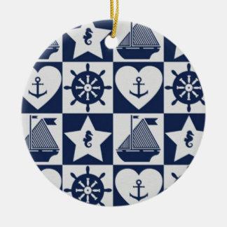 Ornamento De Cerâmica Branco náutico dos azuis marinhos checkered