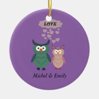 Ornamento De Cerâmica Casal alegre bonito adorável do amor da coruja