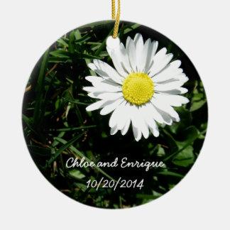Ornamento De Cerâmica Casamento personalizado da margarida