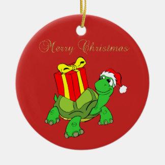 Ornamento De Cerâmica Chapéu adorável do papai noel da tartaruga, Feliz