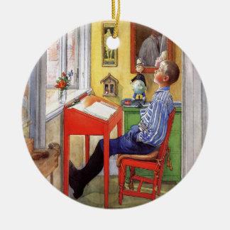 Ornamento De Cerâmica Esbjorn que faz seus trabalhos de casa por Carl