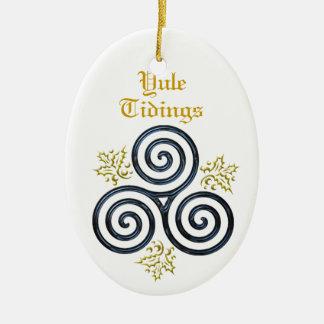 Ornamento De Cerâmica Espiral tripla azul & azevinho das notícias de