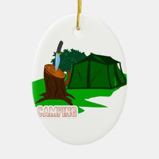Ornamento De Cerâmica Faca e barraca de acampamento