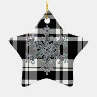 Ornamento De Cerâmica floco preto e branco da neve da xadrez