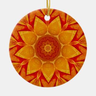 Ornamento De Cerâmica Fractal dourado da chuva do Natal
