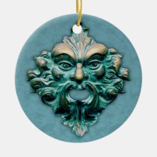Ornamento De Cerâmica Homem verde no azul com ano