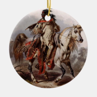 Ornamento De Cerâmica Indiano Blackfoot no cavalo árabe que está sendo