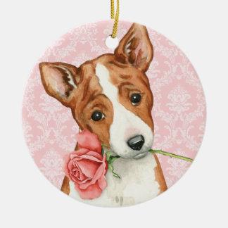 Ornamento De Cerâmica Namorados Basenji cor-de-rosa