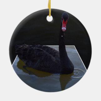 Ornamento De Cerâmica Natação da cisne preta na lagoa dimensional,