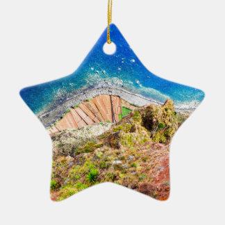 Ornamento De Cerâmica Paisagem litoral colorida bonita com mar azul