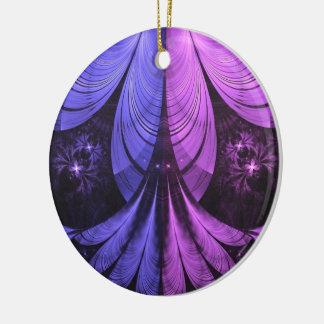 Ornamento De Cerâmica Penas azuis e Lilac-Violetas bonitas do Fractal