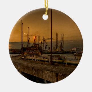Ornamento De Cerâmica Porto de Rotterdam em a noite