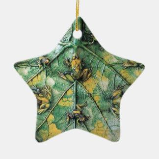 Ornamento De Cerâmica SAPOS PEQUENOS em uma FOLHA VERDE, estrela