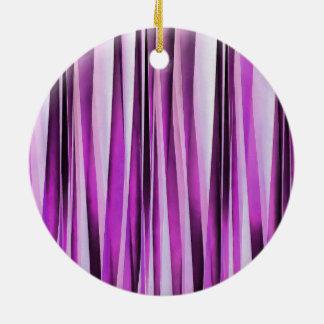 Ornamento De Cerâmica Teste padrão Stripy de Lavendar, de íris e de uva