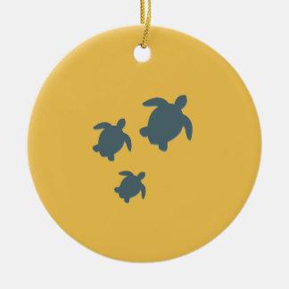 Ornamento De Cerâmica Três tartarugas de mar que nadam junto