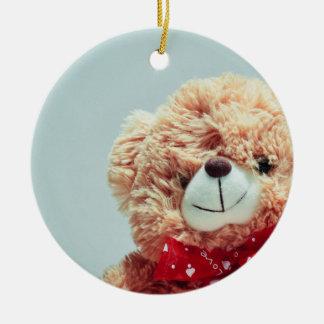 Ornamento De Cerâmica Urso de ursinho com um arco vermelho