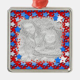 Ornamento De Metal Estrelas brancas azuis no vermelho