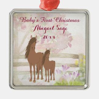 Ornamento De Metal Natal do bebê personalizado dos cavalos de Brown o